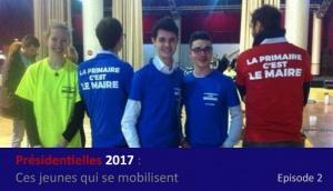 De jeunes militants arborant leur TshirtLa Primaire, c'est Le Maire.