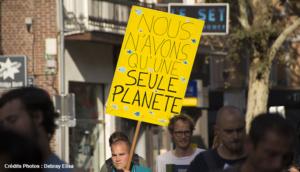 De nombreuses pancartes rythmaient la marche.